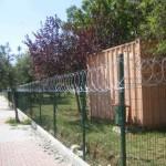 panel çit ve jiletli tel uygulaması